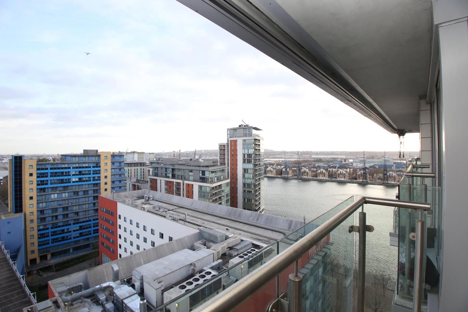 2 bed flat to rent in The Oxygen - Property Image 1