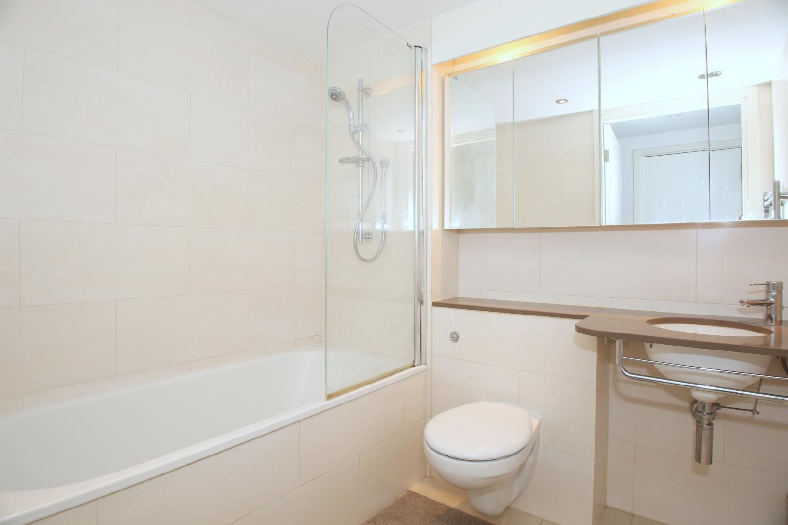 2 bed flat to rent in The Oxygen  - Property Image 4