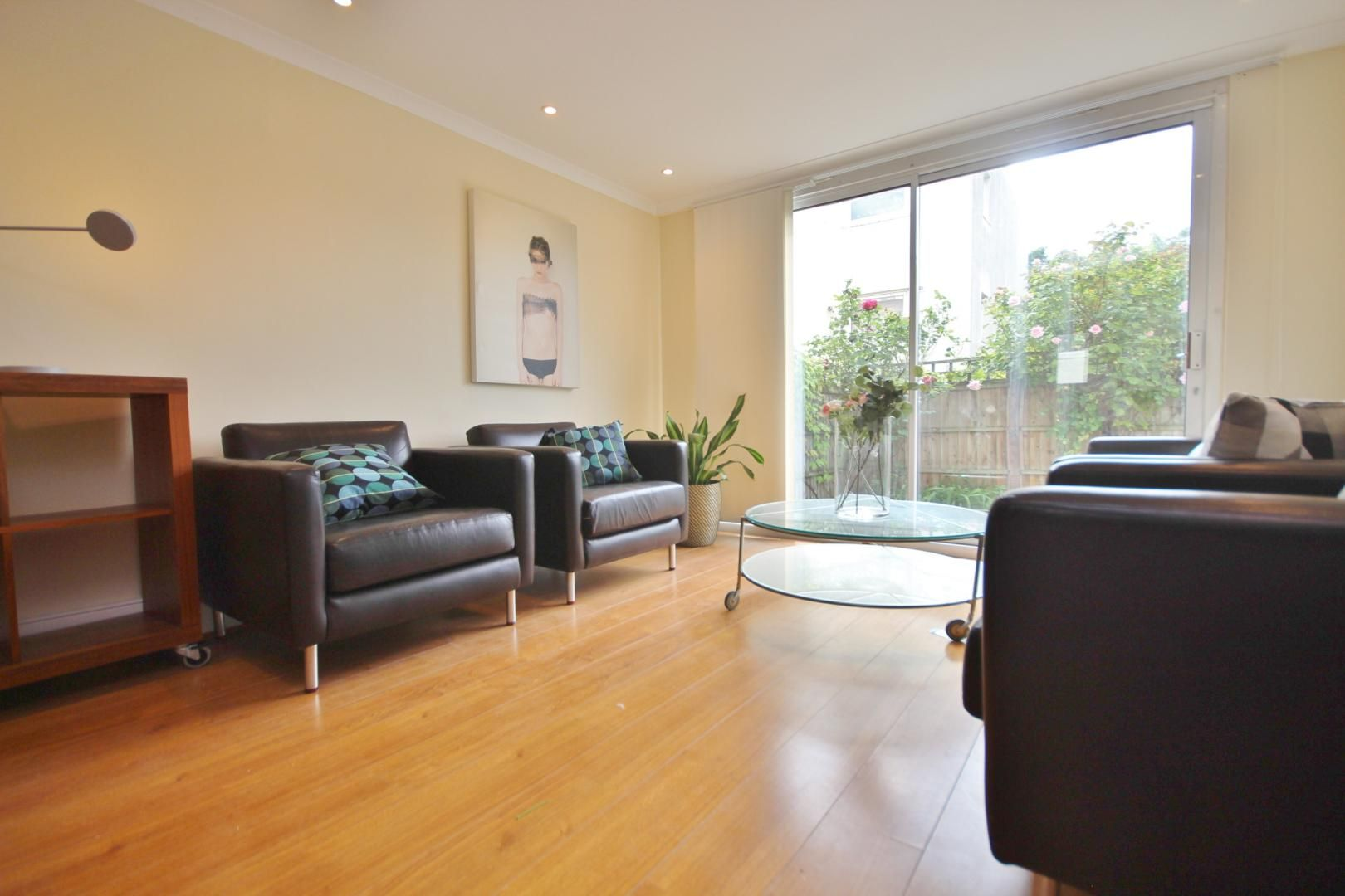 3 bed flat to rent in Barleycorn Way, E14