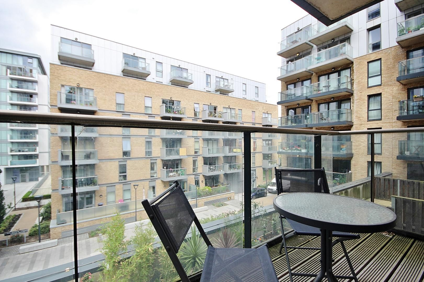 1 bed flat to rent in Casson Apartments, E14
