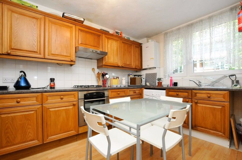 3 bed flat to rent in Bird In Bush Road  - Property Image 3