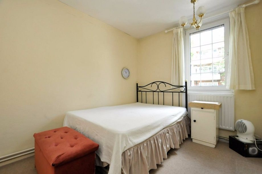 3 bed flat to rent in Bird In Bush Road  - Property Image 5