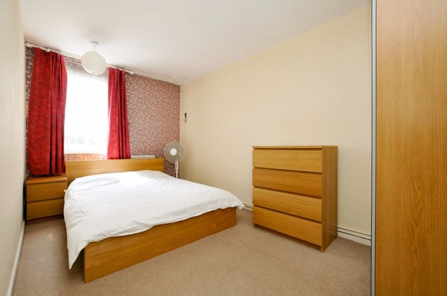 3 bed flat to rent in Bird In Bush Road  - Property Image 6