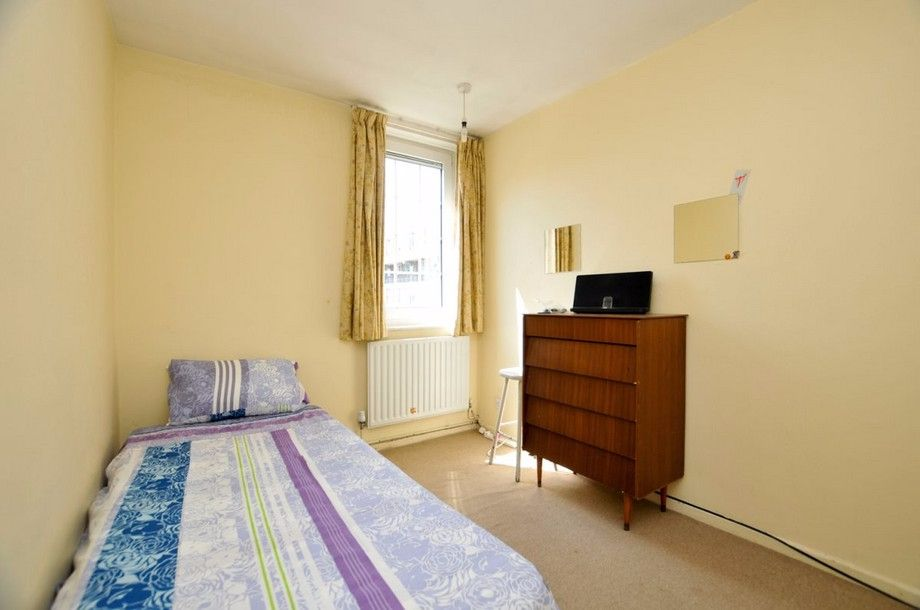3 bed flat to rent in Bird In Bush Road  - Property Image 8