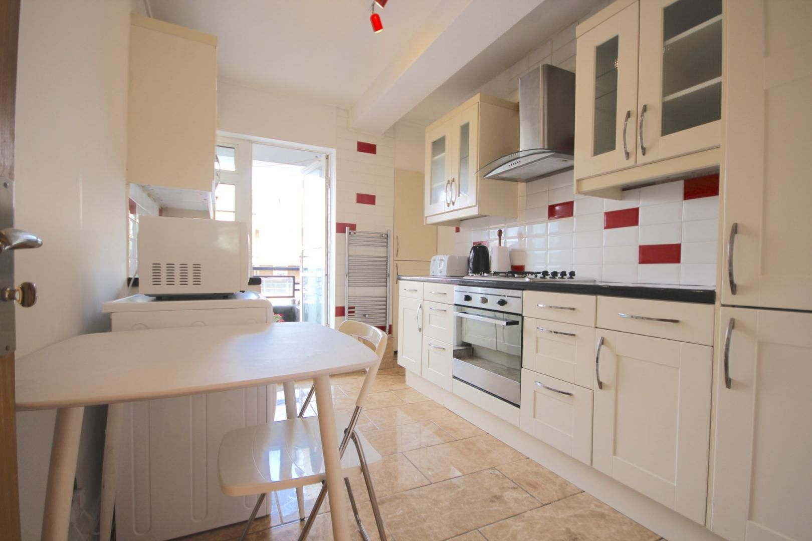 4 bed flat to rent in Church Street Estate, NW8