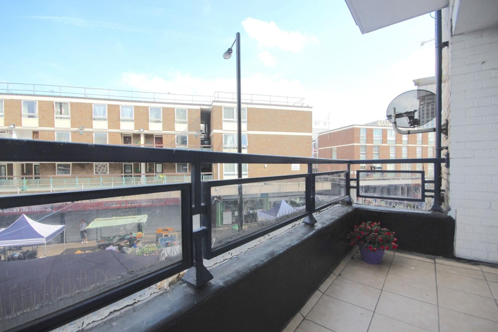 4 bed flat to rent in Church Street Estate  - Property Image 8