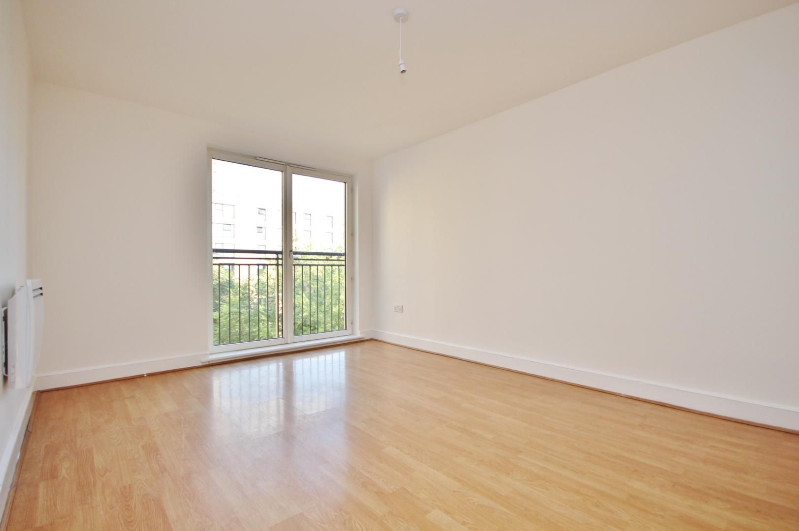 1 bed flat to rent in Wealden House  - Property Image 2