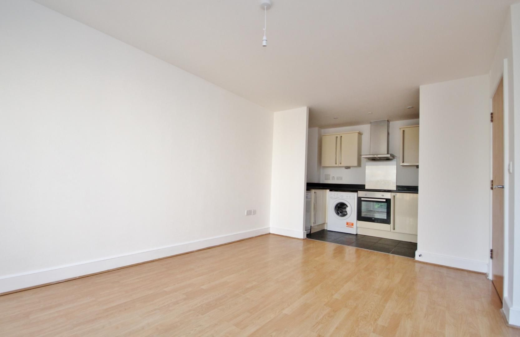 1 bed flat to rent in Wealden House  - Property Image 3