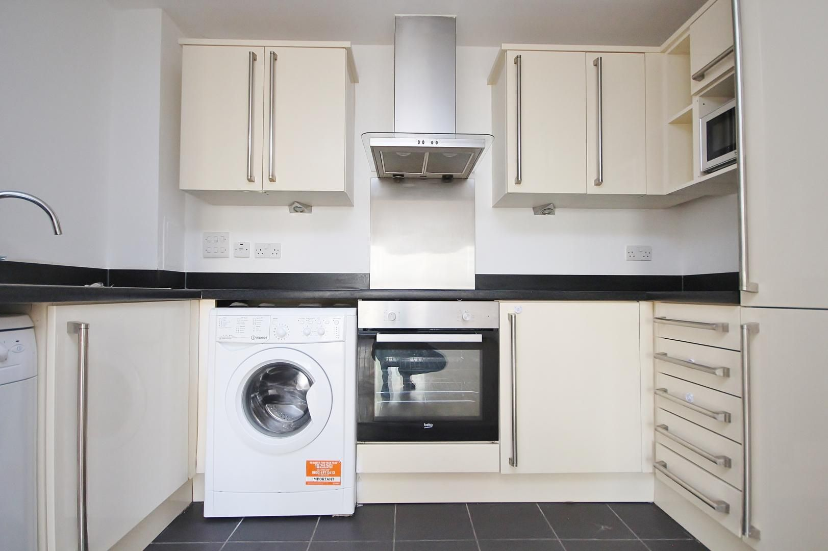 1 bed flat to rent in Wealden House  - Property Image 4