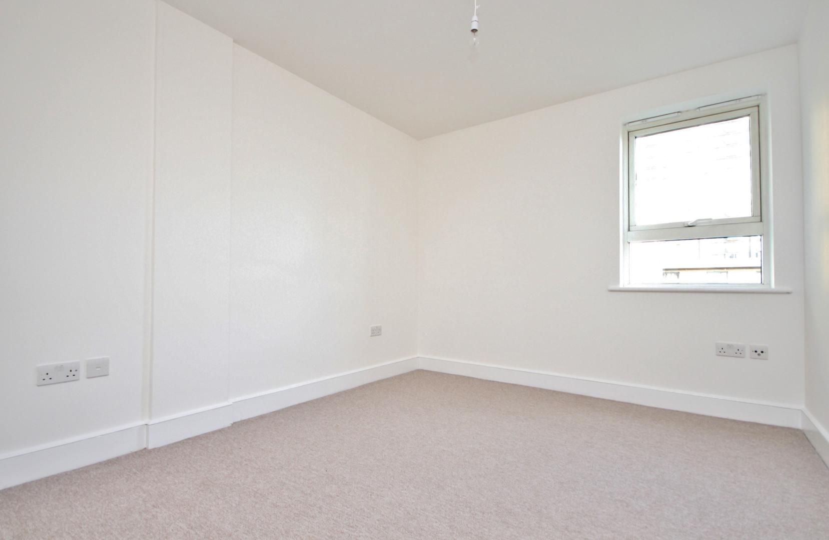 1 bed flat to rent in Wealden House  - Property Image 5