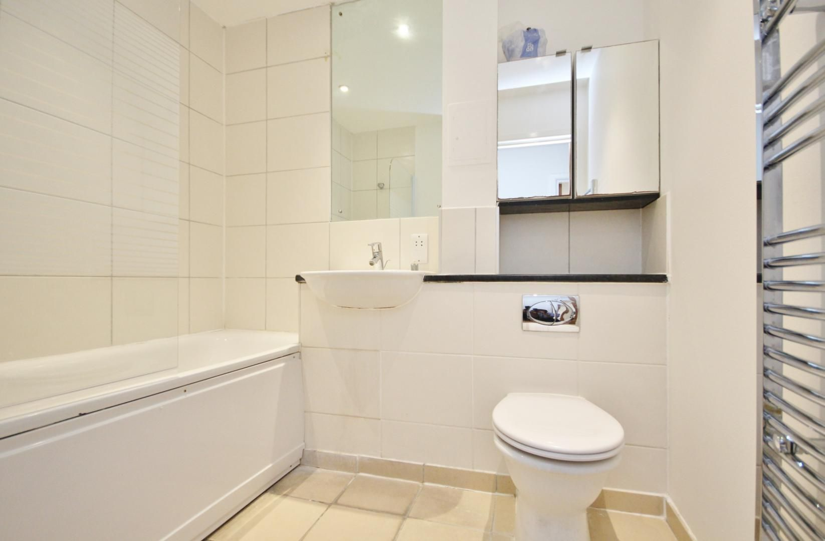 1 bed flat to rent in Wealden House  - Property Image 6