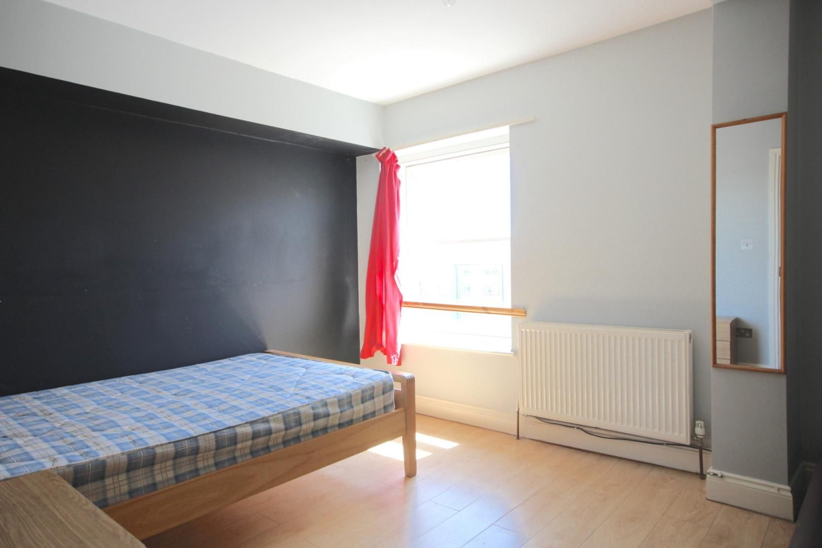 3 bed flat to rent in High Street  - Property Image 4