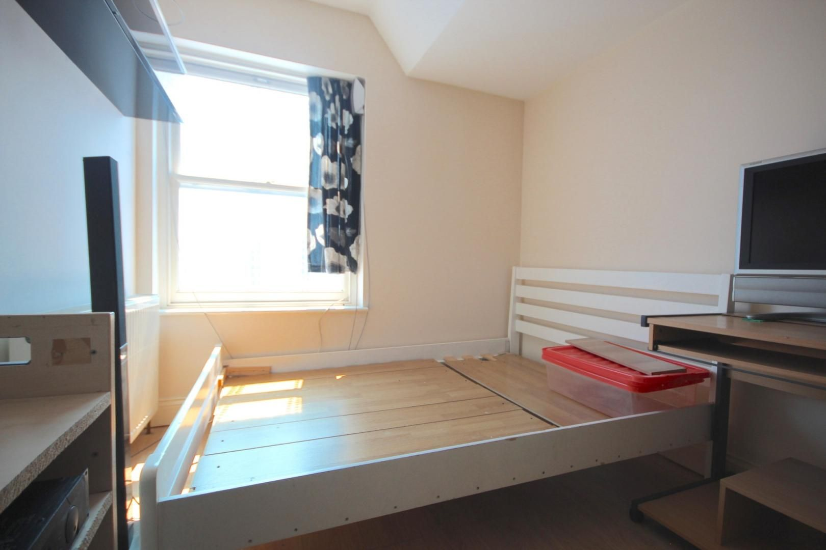 3 bed flat to rent in High Street  - Property Image 6