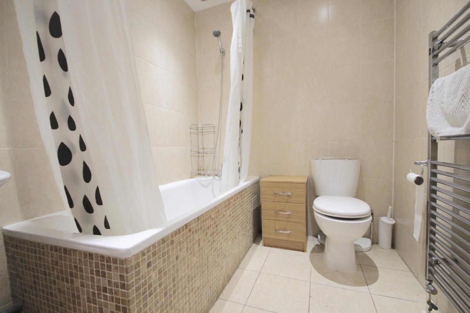 3 bed flat to rent in High Street  - Property Image 7