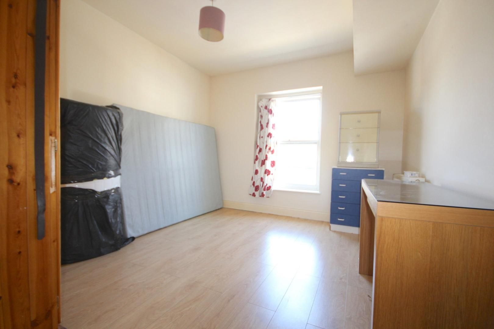 3 bed flat to rent in High Street  - Property Image 8