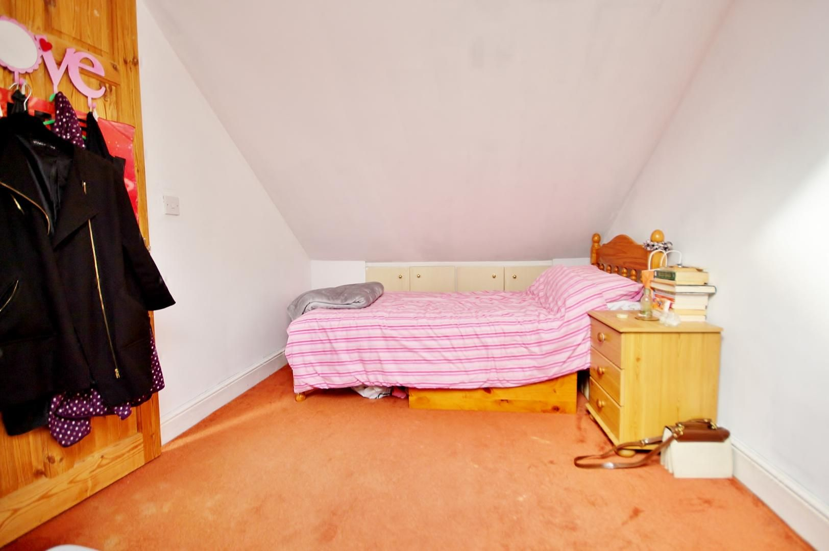 3 bed flat to rent in Forest Road  - Property Image 2