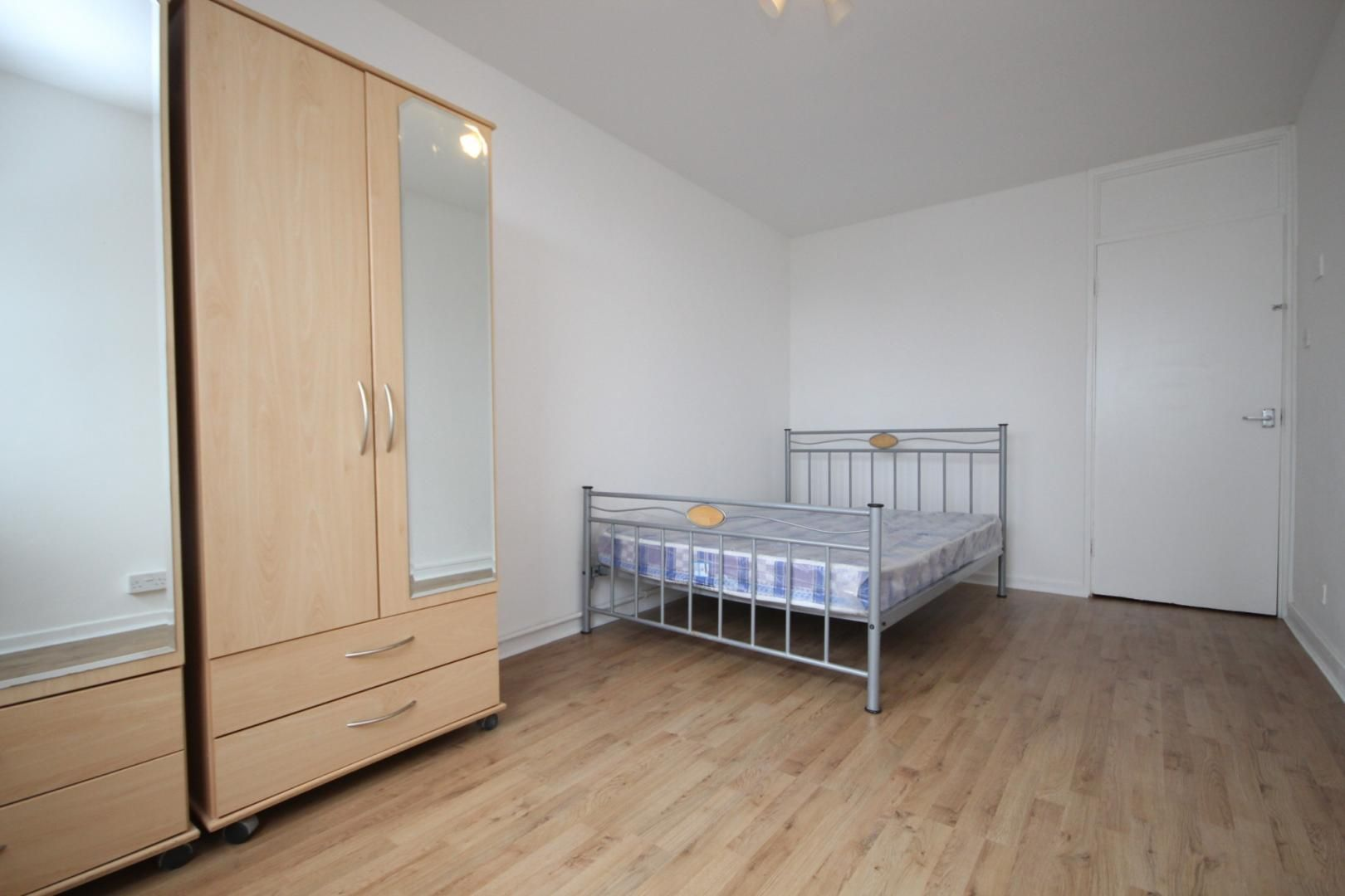 1 bed flat to rent in Aubrey Moore Point, E15