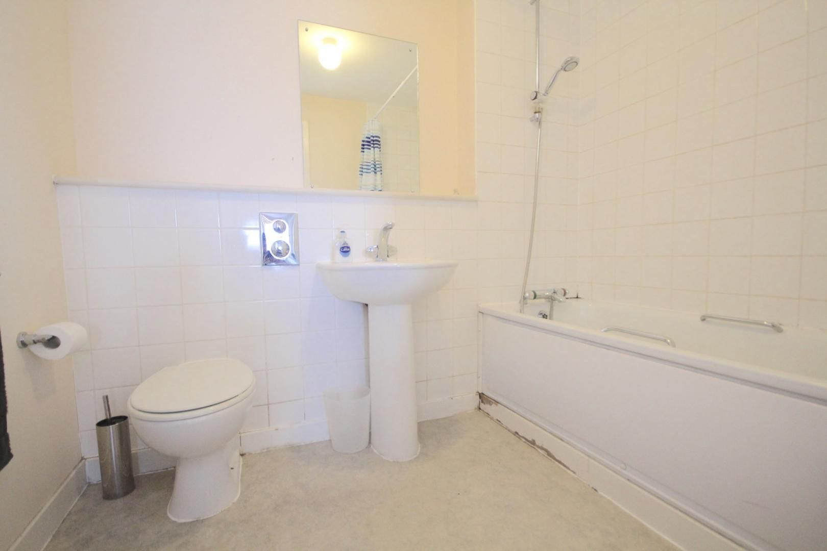 1 bed flat to rent in Cam Road  - Property Image 4
