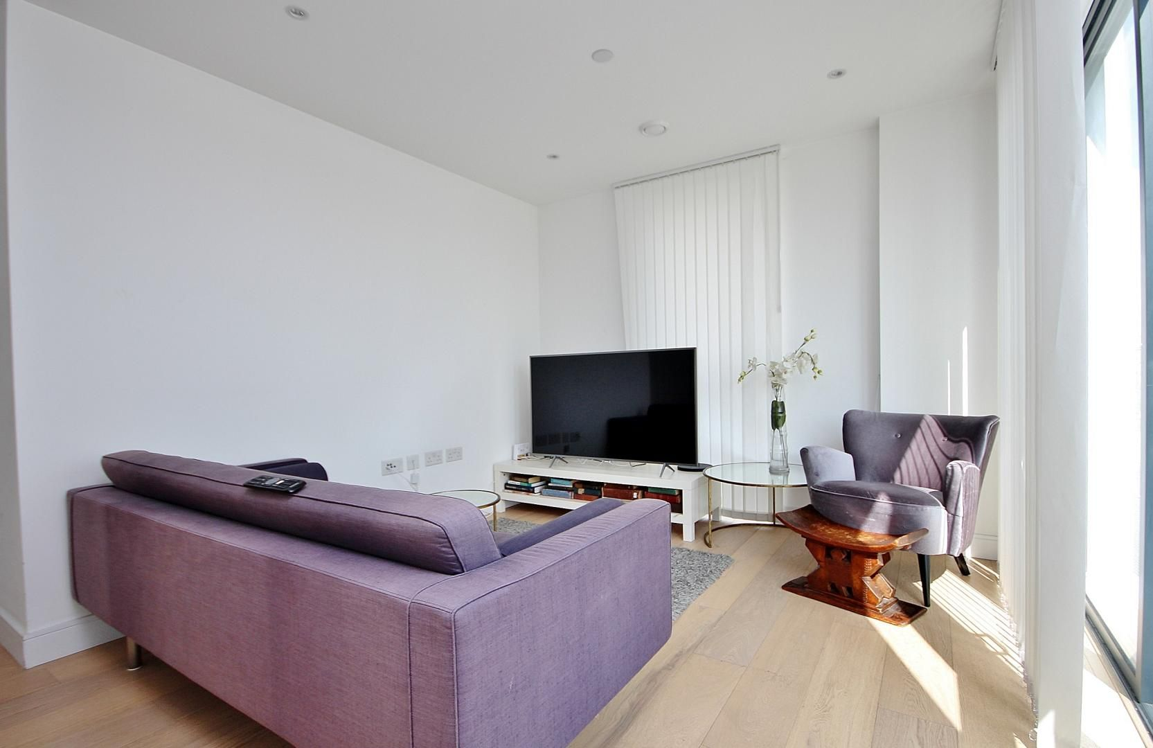 2 bed flat to rent in Kensington Apartments  - Property Image 2