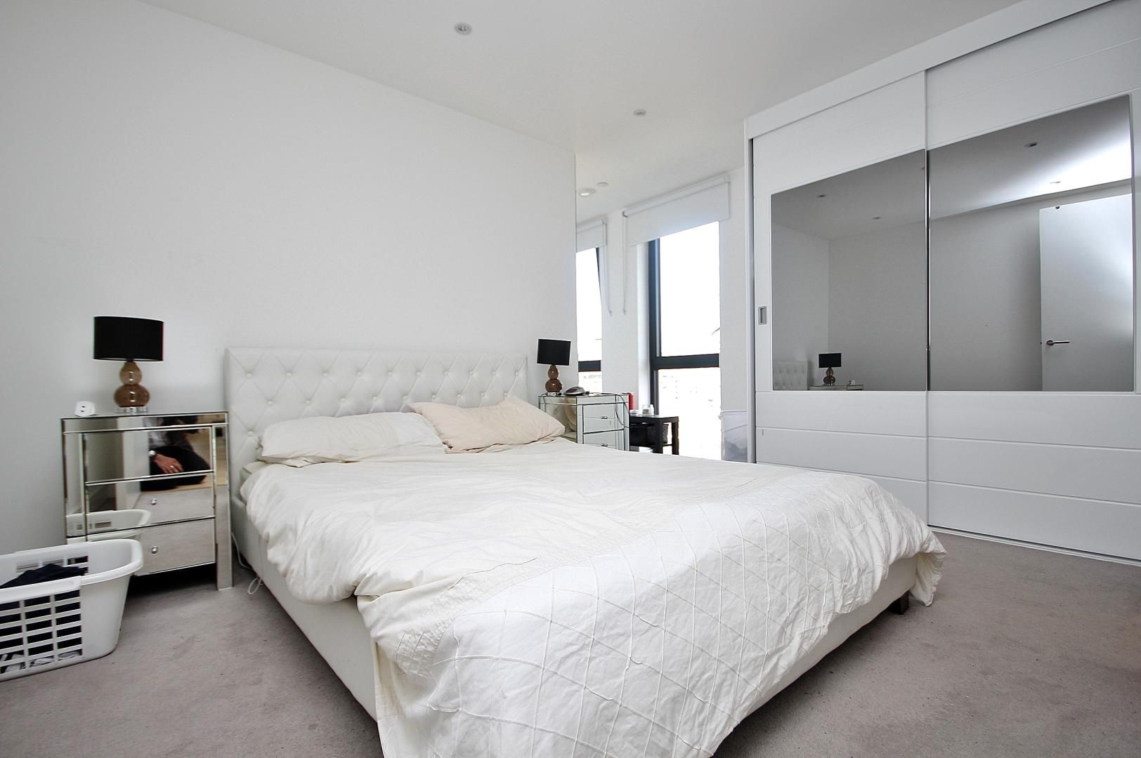 2 bed flat to rent in Kensington Apartments  - Property Image 7