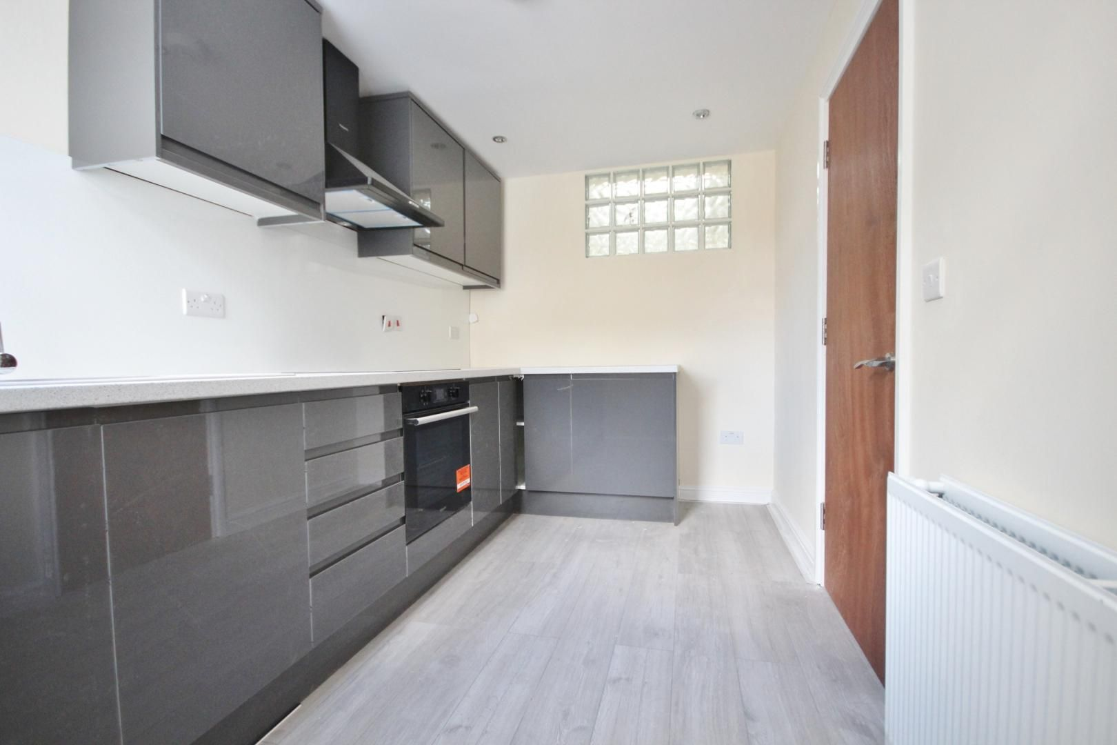 2 bed flat to rent in Lynton Road, SE1
