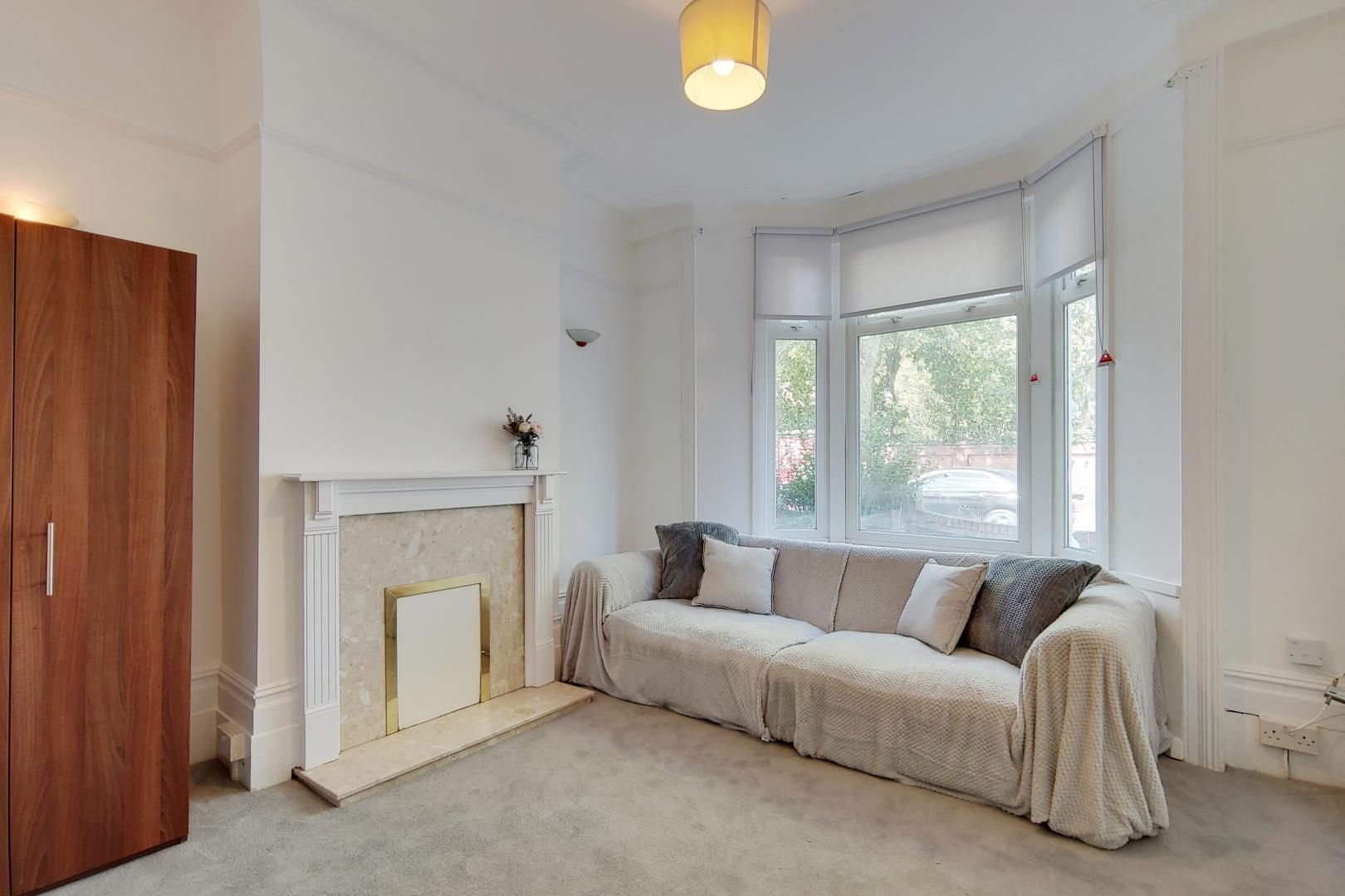 4 bed house to rent in Portway  - Property Image 2