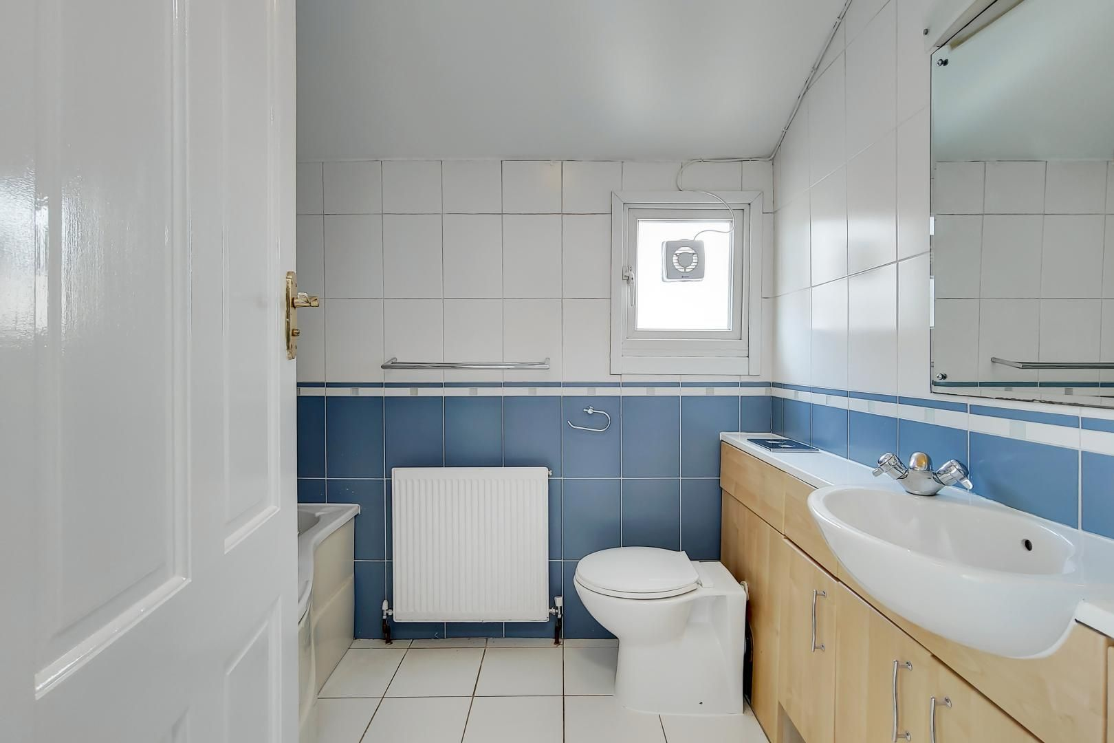 4 bed house to rent in Portway  - Property Image 14
