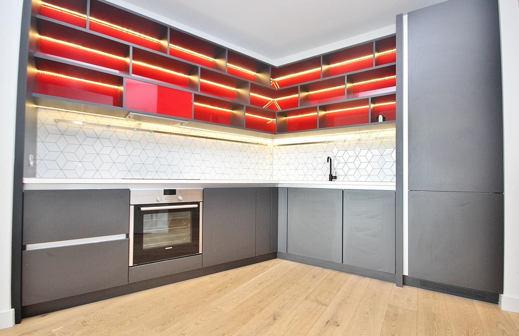 1 bed flat to rent in Modena House  - Property Image 2