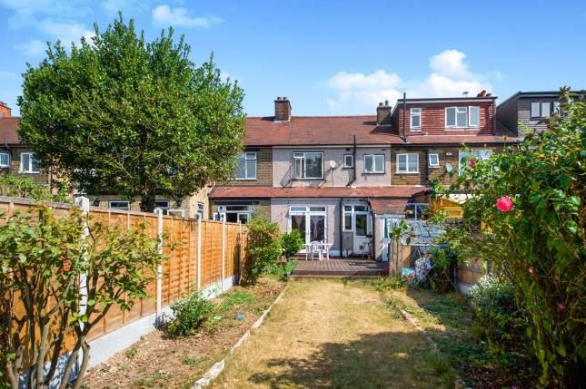 3 bed house for sale in Roy Gardens, IG2