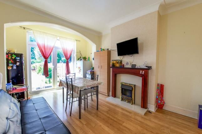 3 bed house for sale in Roy Gardens  - Property Image 2
