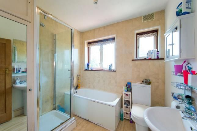 3 bed house for sale in Roy Gardens  - Property Image 10
