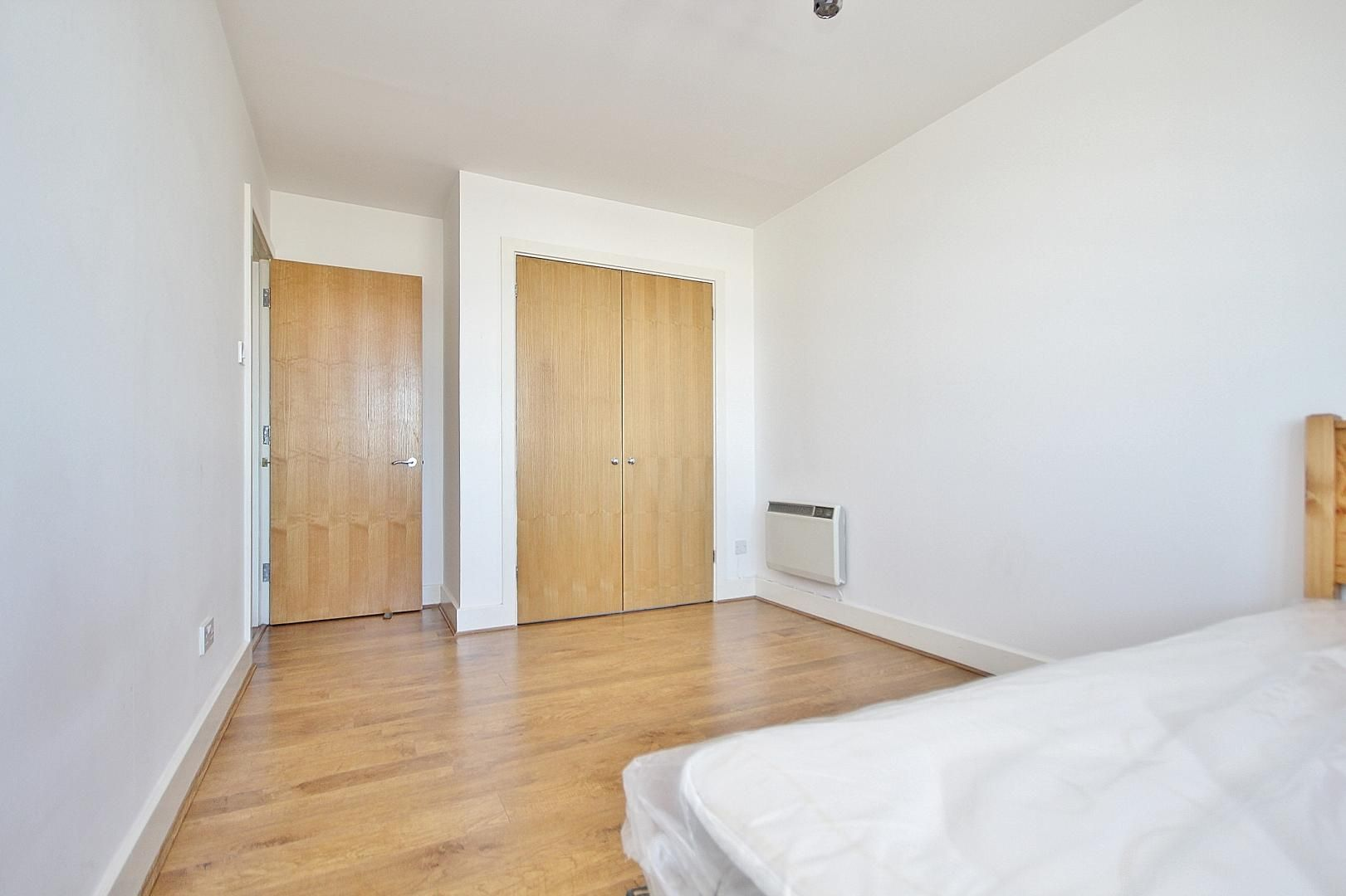 1 bed flat to rent in Skyline Plaza  - Property Image 3