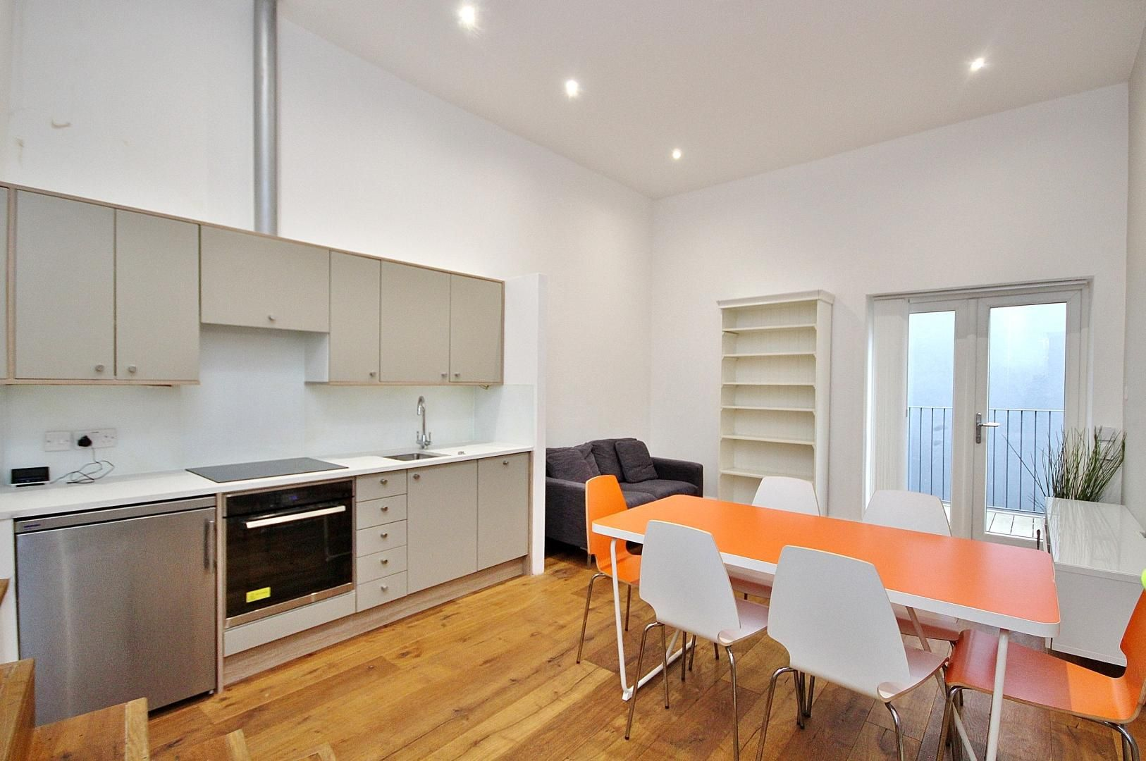 1 bed flat to rent in Broadway Market - Property Image 1