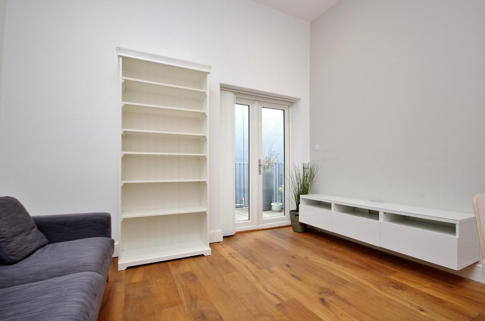 1 bed flat to rent in Broadway Market  - Property Image 3