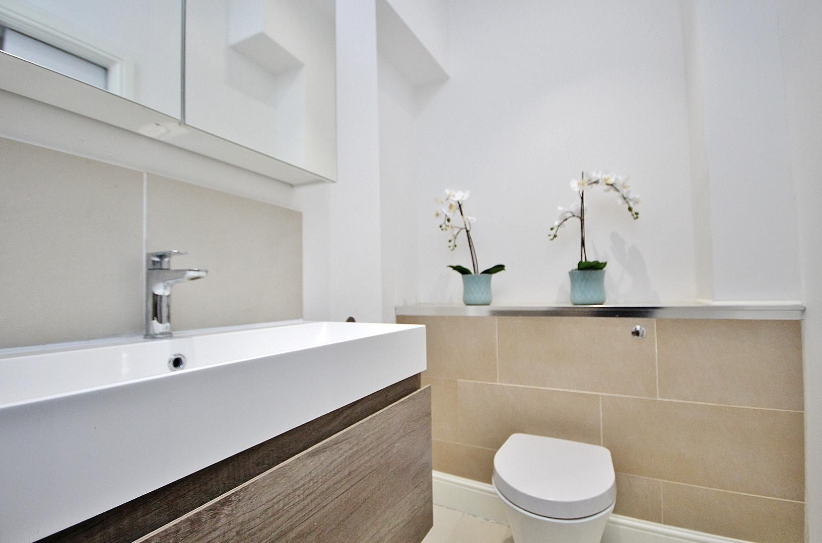 1 bed flat to rent in Broadway Market  - Property Image 8