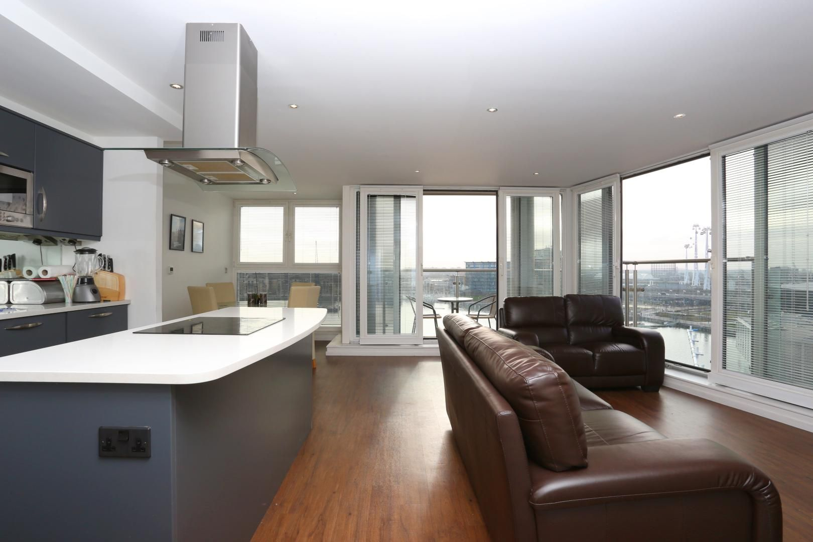 2 bed flat to rent in The Oxygen  - Property Image 2