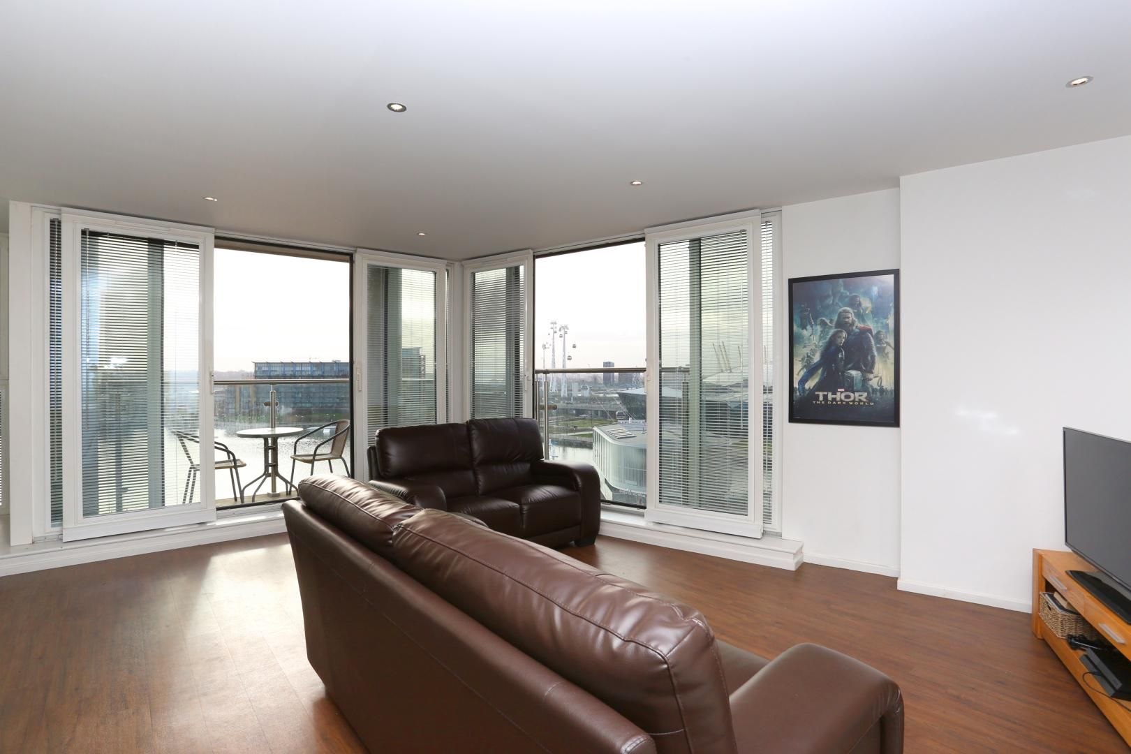 2 bed flat to rent in The Oxygen  - Property Image 3