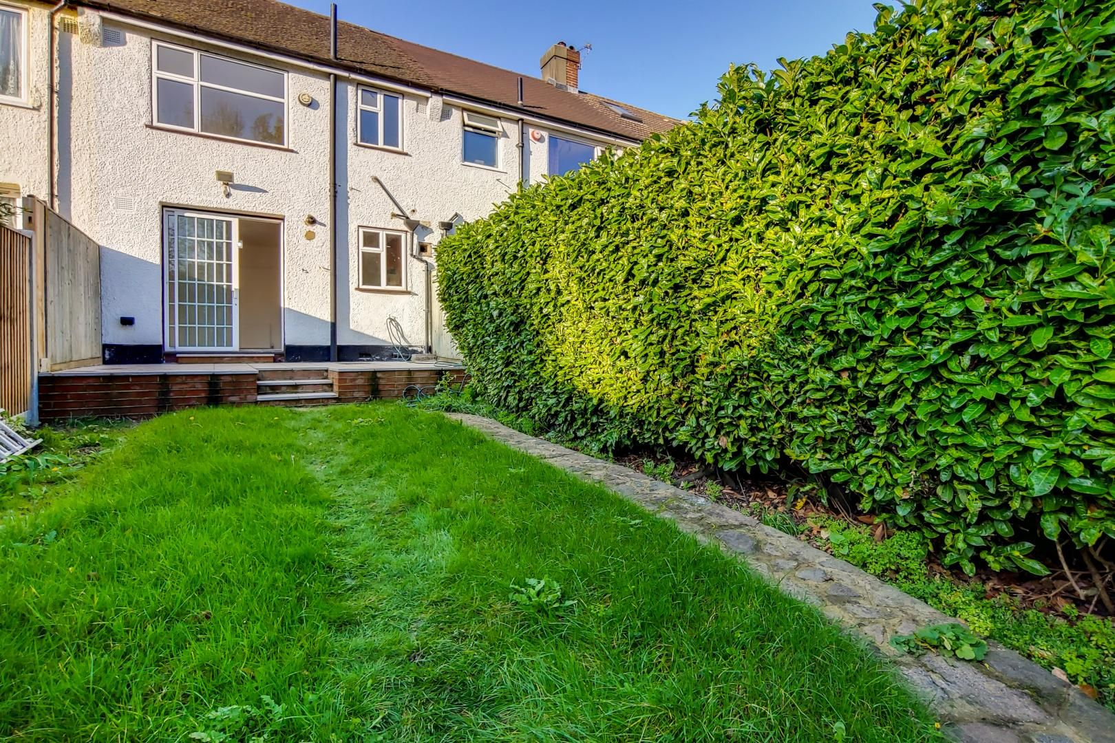 3 bed house to rent in Harrington Road  - Property Image 2