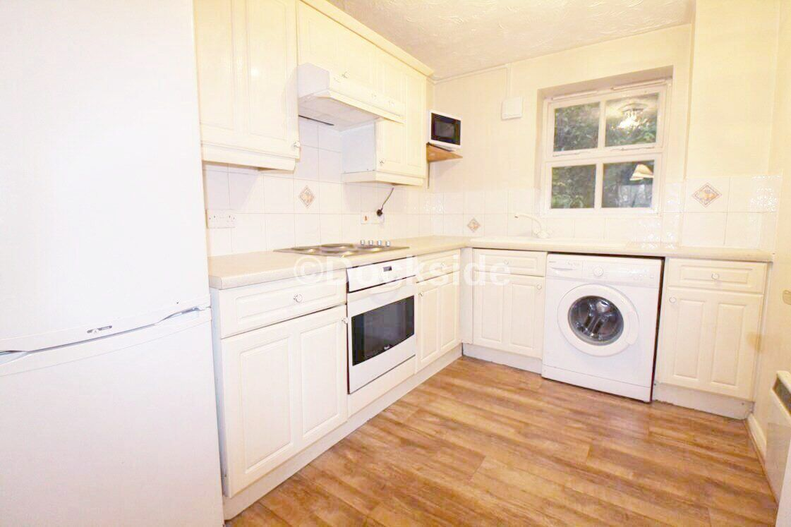 2 bed flat to rent in Harriet Drive  - Property Image 2