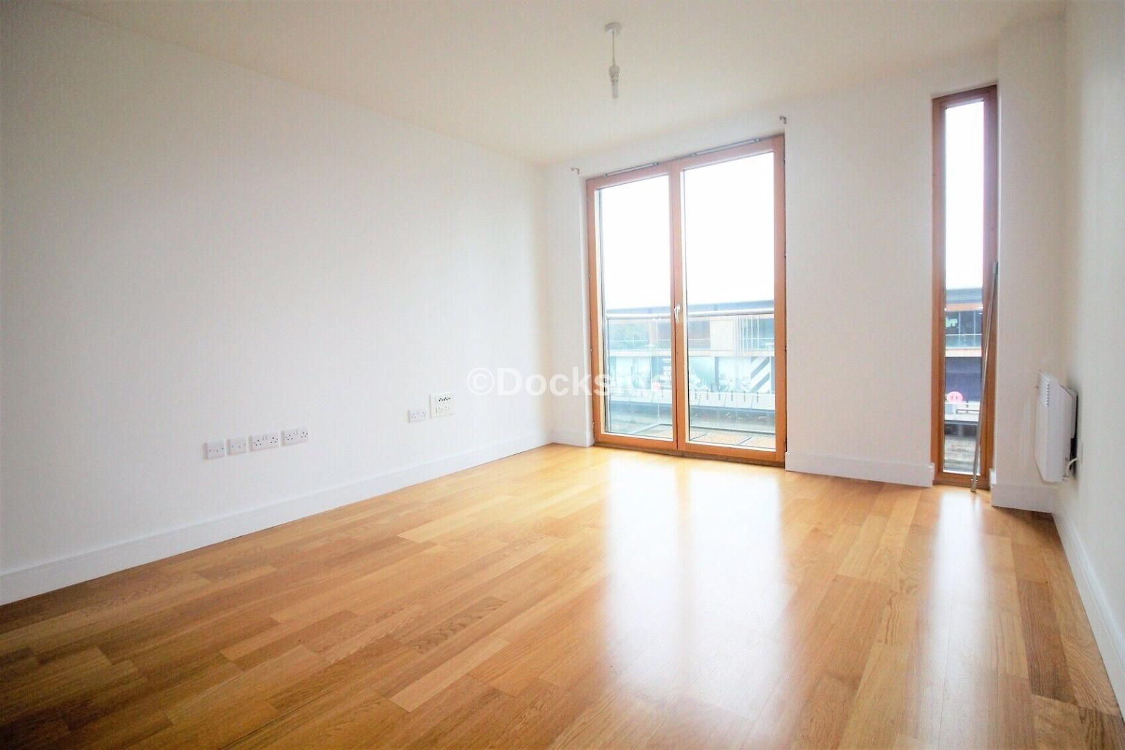 1 bed flat to rent in Dock Head Road  - Property Image 6