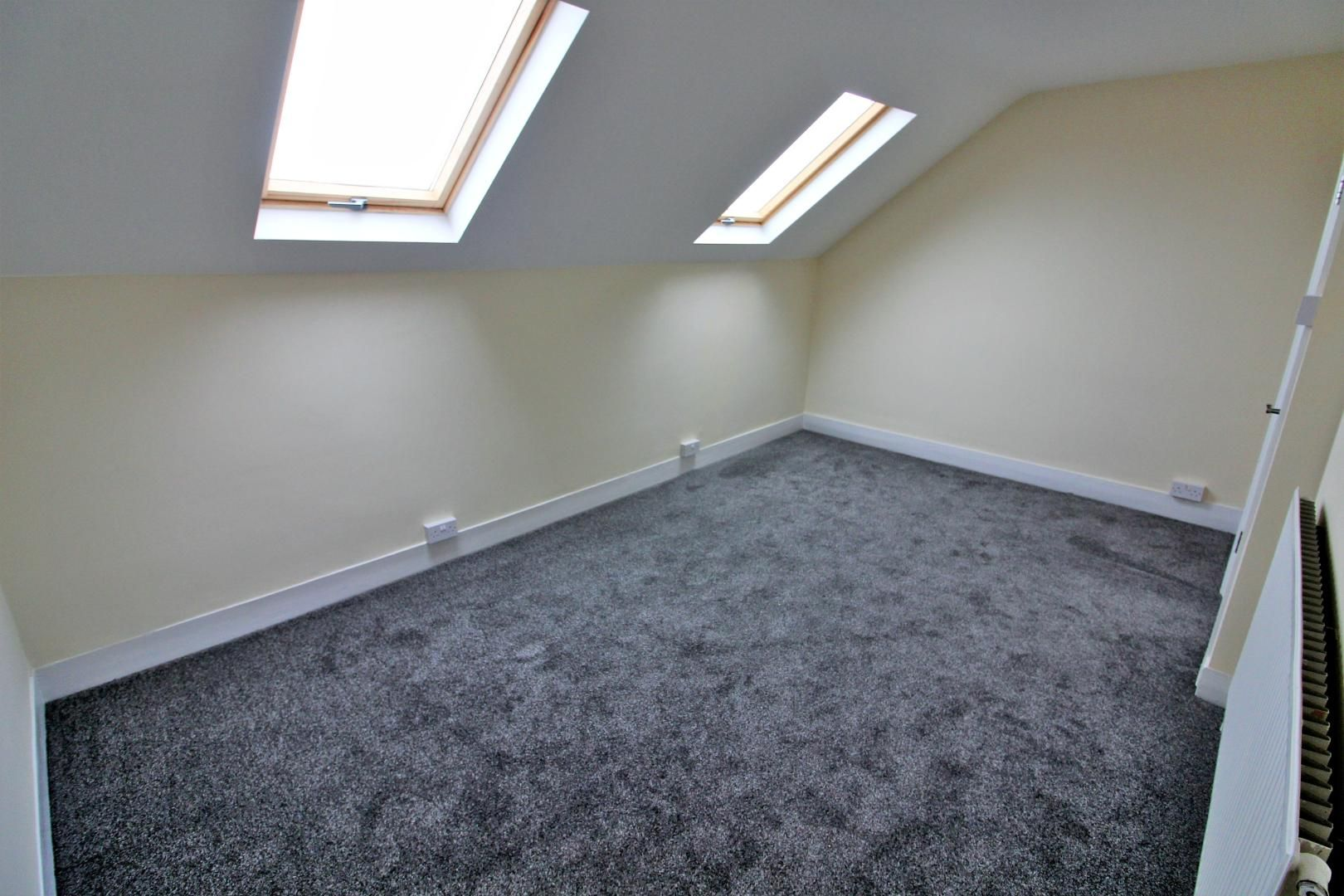 3 bed flat to rent in Hastings Road  - Property Image 7