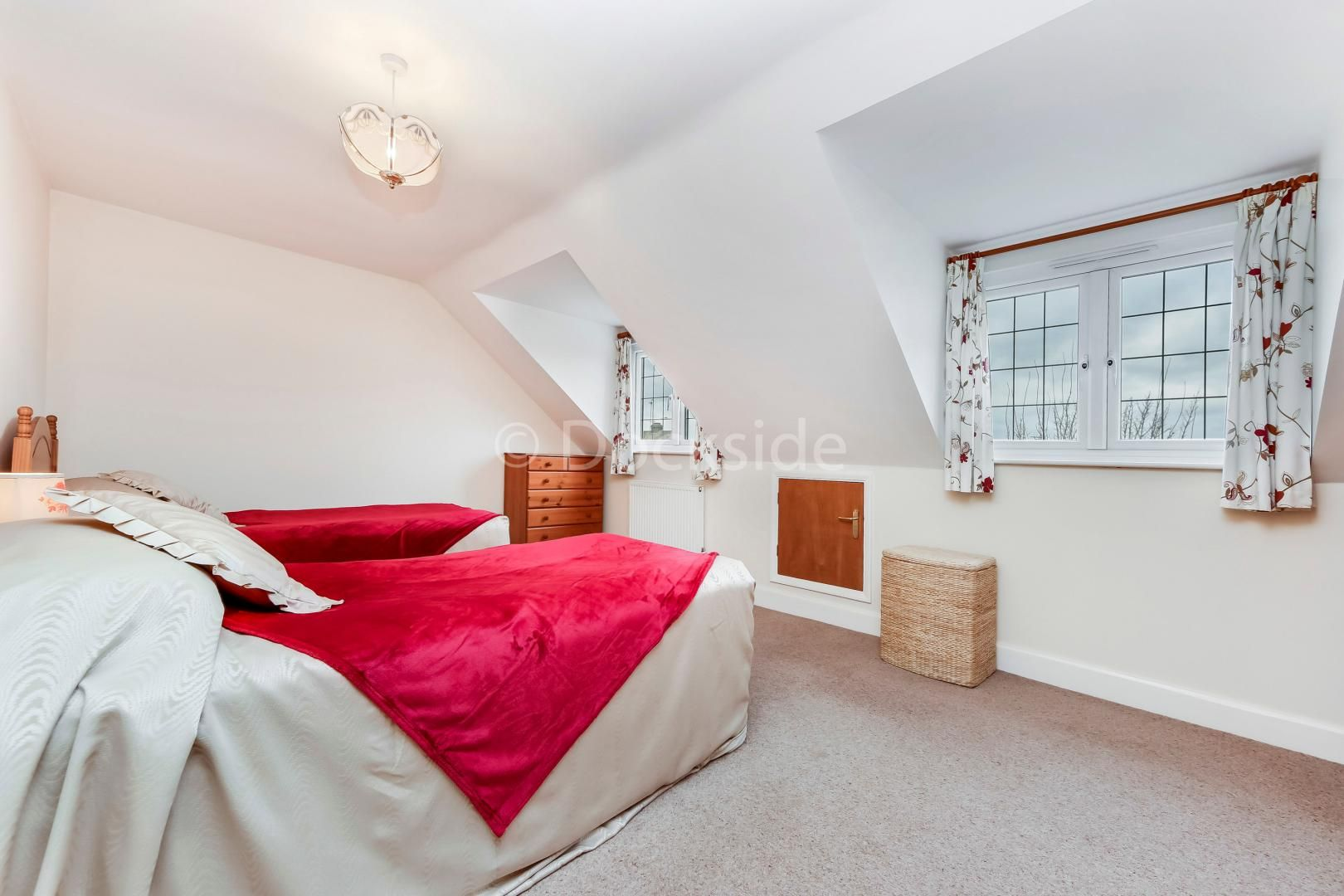 4 bed house for sale in Brompton Farm Road  - Property Image 4