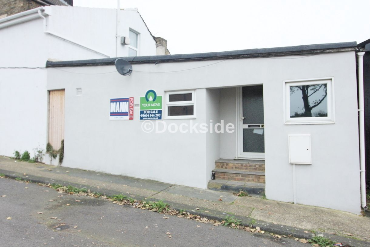 2 bed flat for sale in Morgan Road - Property Image 1