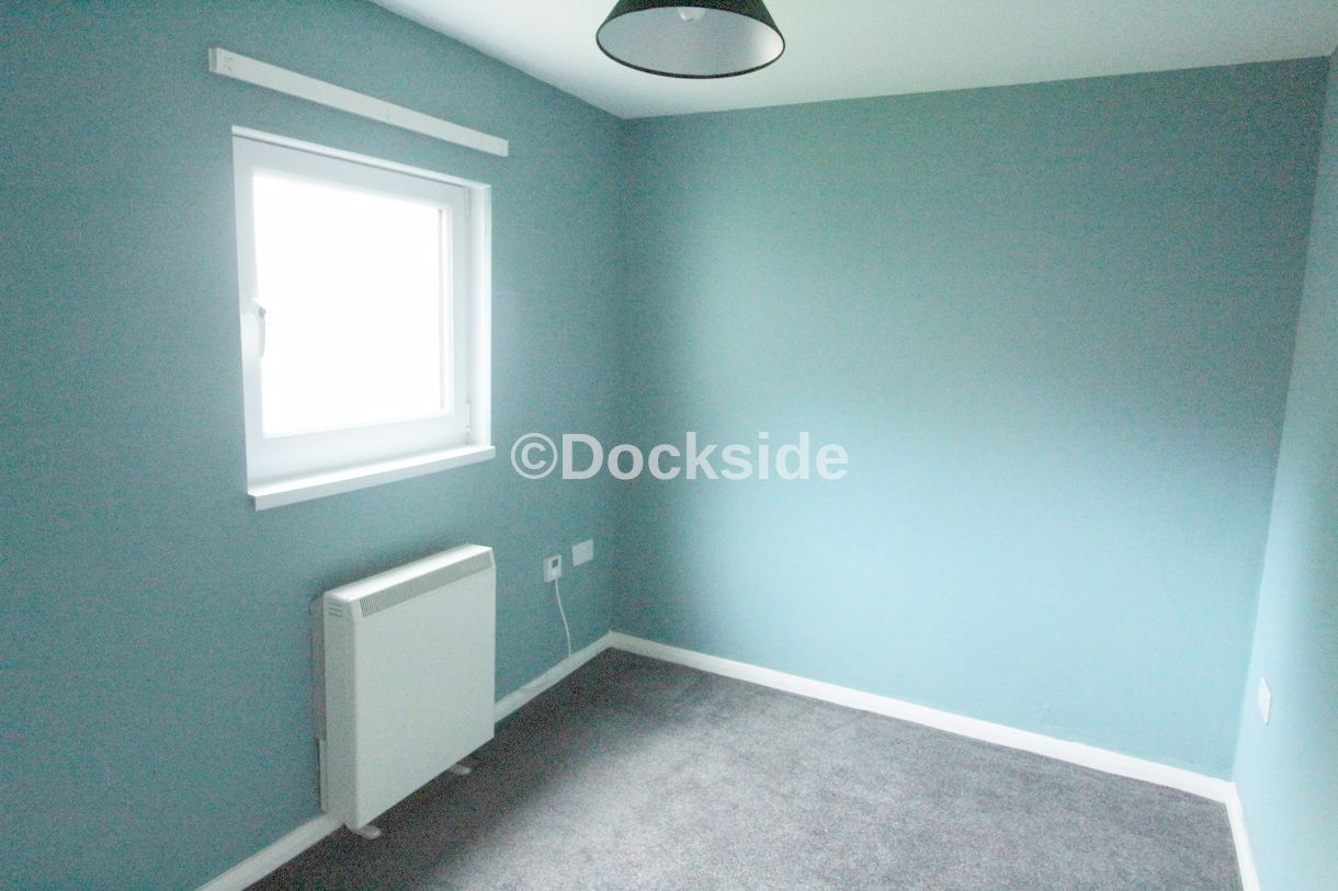 2 bed flat for sale in Morgan Road  - Property Image 2