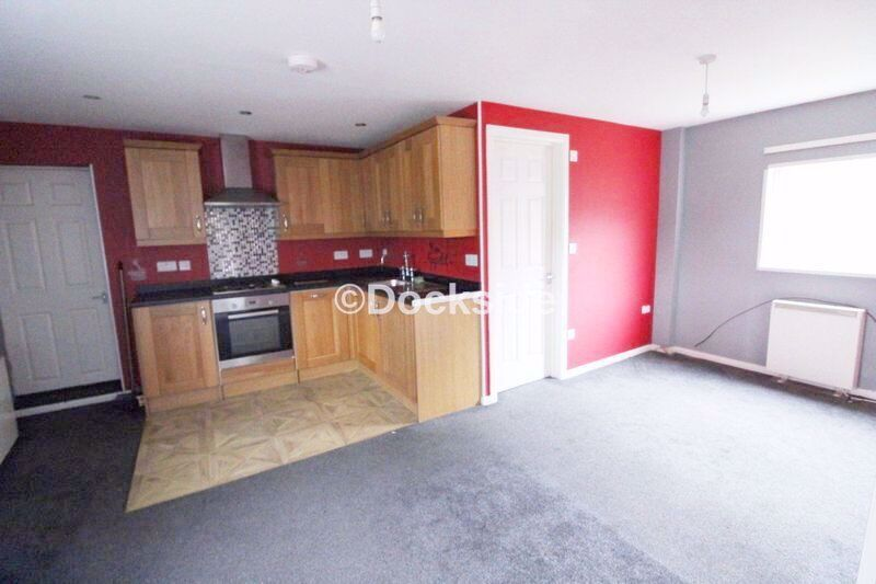 2 bed flat for sale in Morgan Road  - Property Image 4