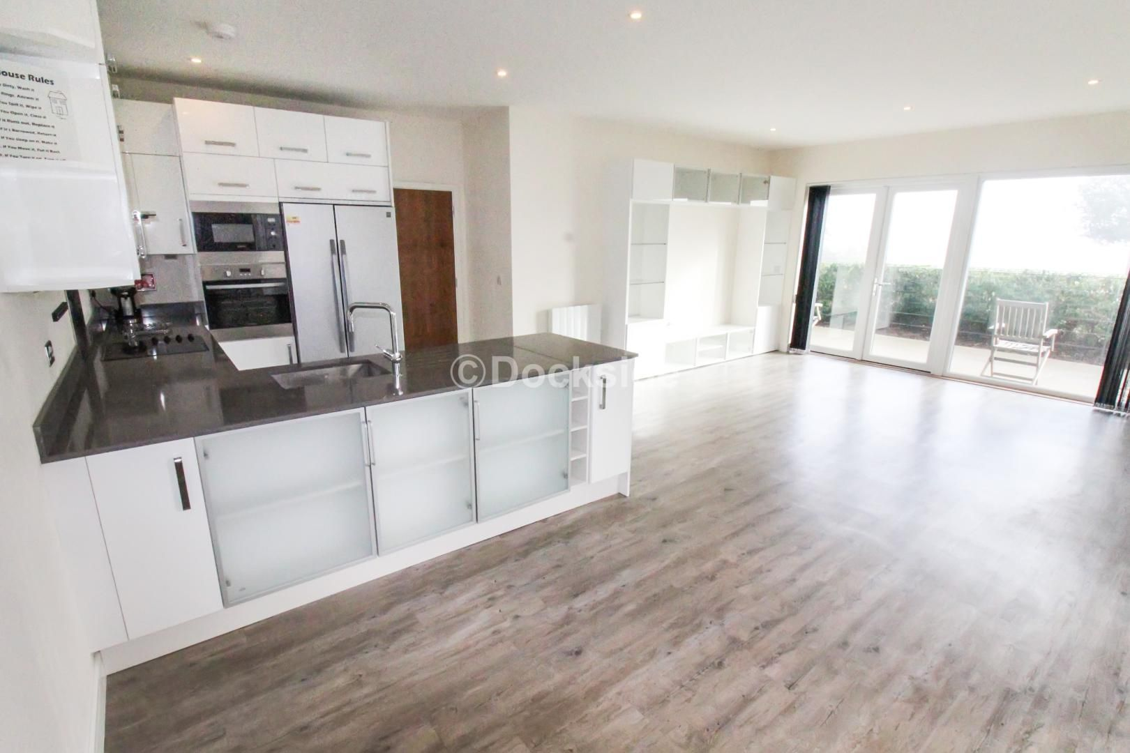 3 bed flat for sale in Pearl Lane, ME7