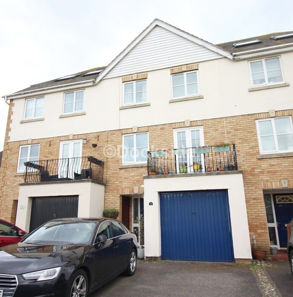 5 bed house to rent in Willowherb Close, ME4