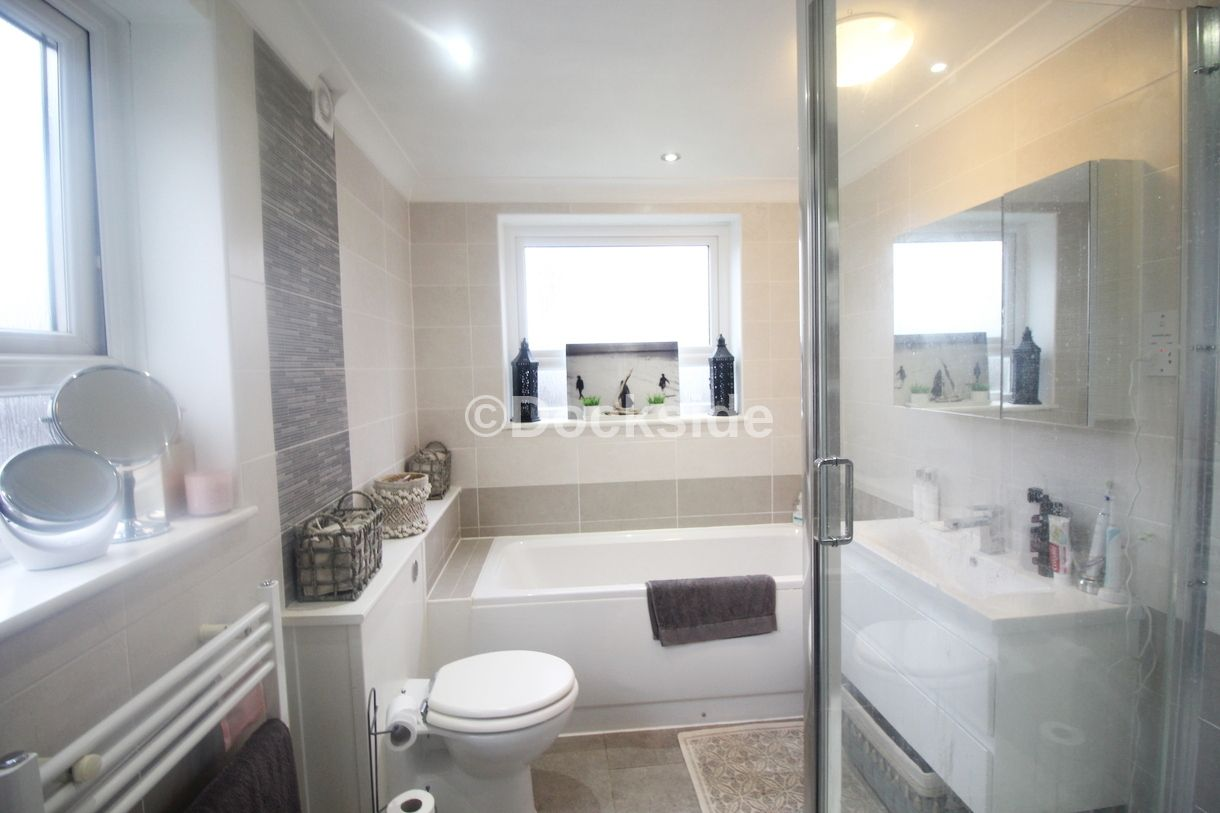 2 bed house to rent in Wellington Street  - Property Image 6