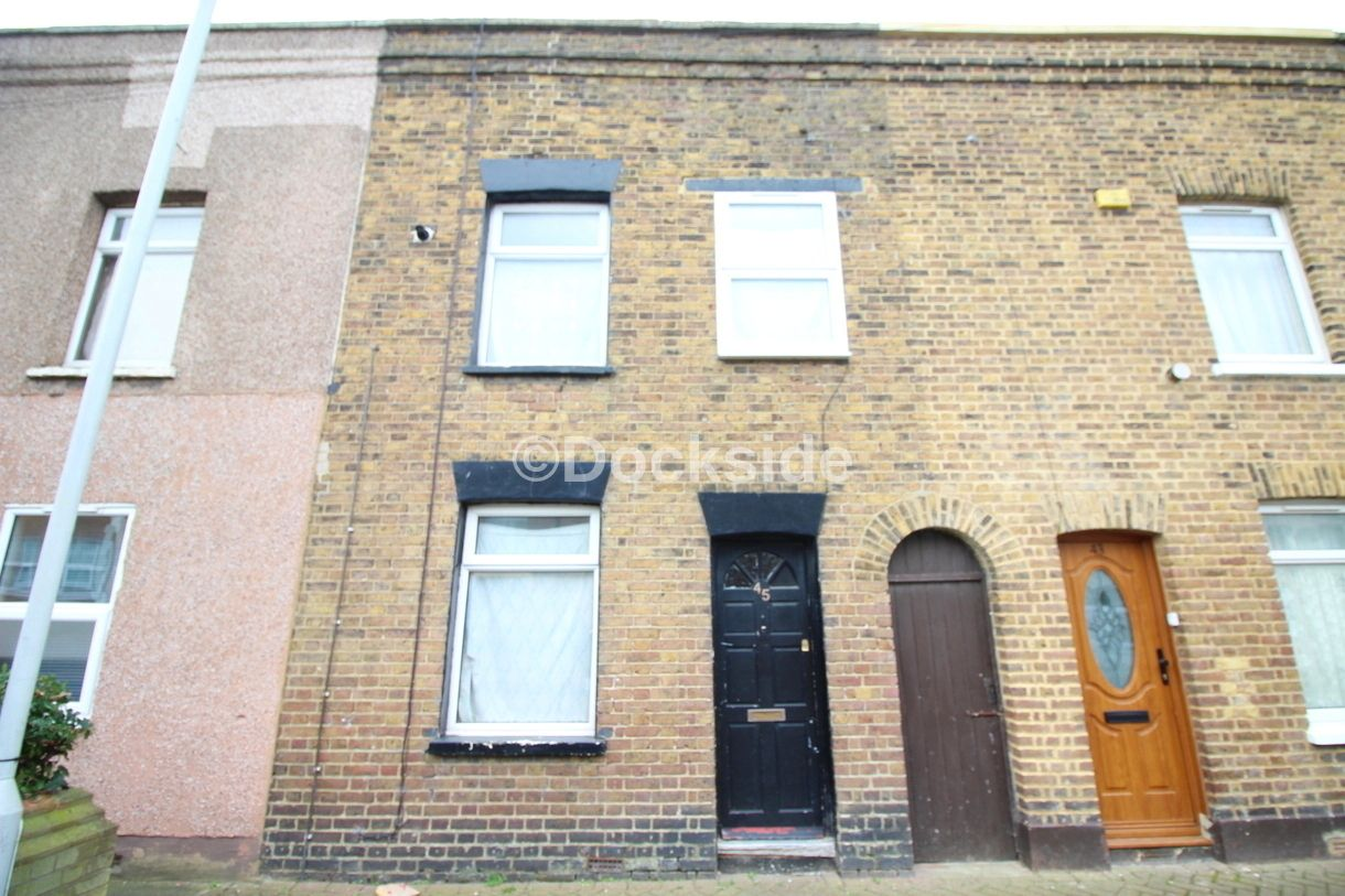 3 bed house to rent in Alma Street, ME12