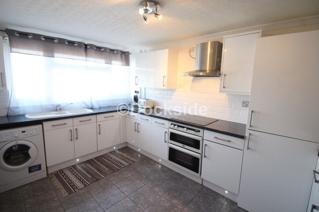 4 bed house to rent in Howard Road, ME19